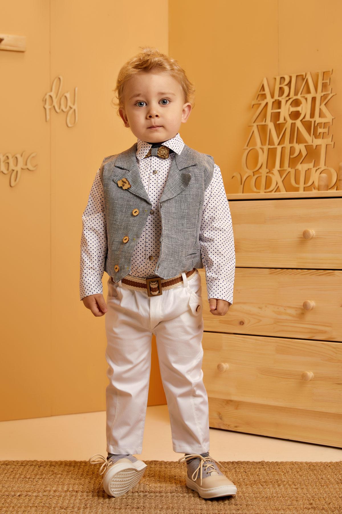 Βαπτιστικό σύνολο λευκό παντελόνι και πουά μπλε πουκάμισο