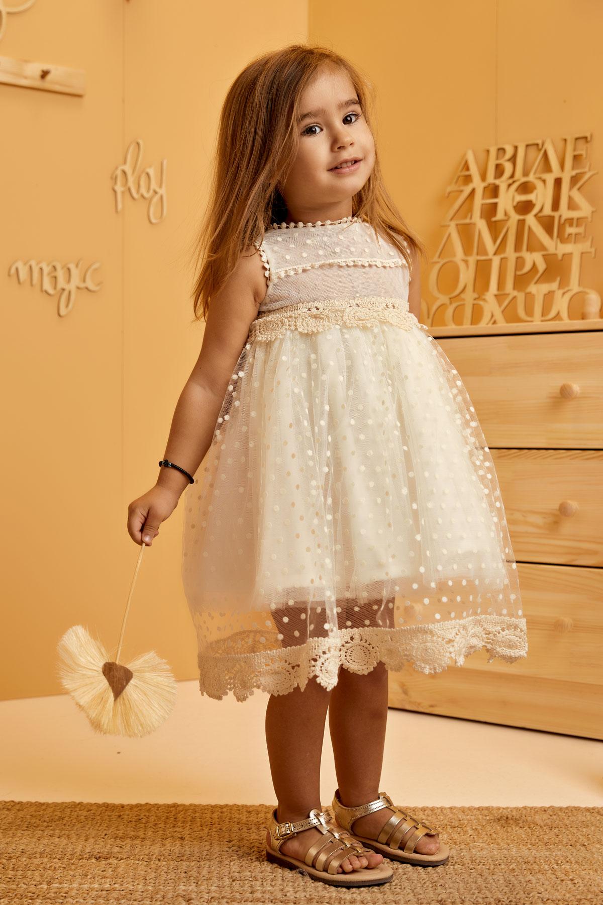 Βαπτιστικό φόρεμα εκρού πουά με δαντελένια τρέσσα τσιγγελάκι