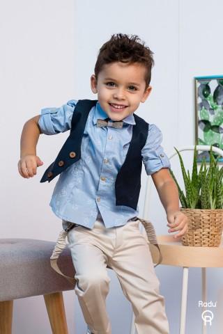 Βαπτιστικό σύνολο αγόρι με μπεζ παντελόνι και μπλε σιελ πουκάμισο