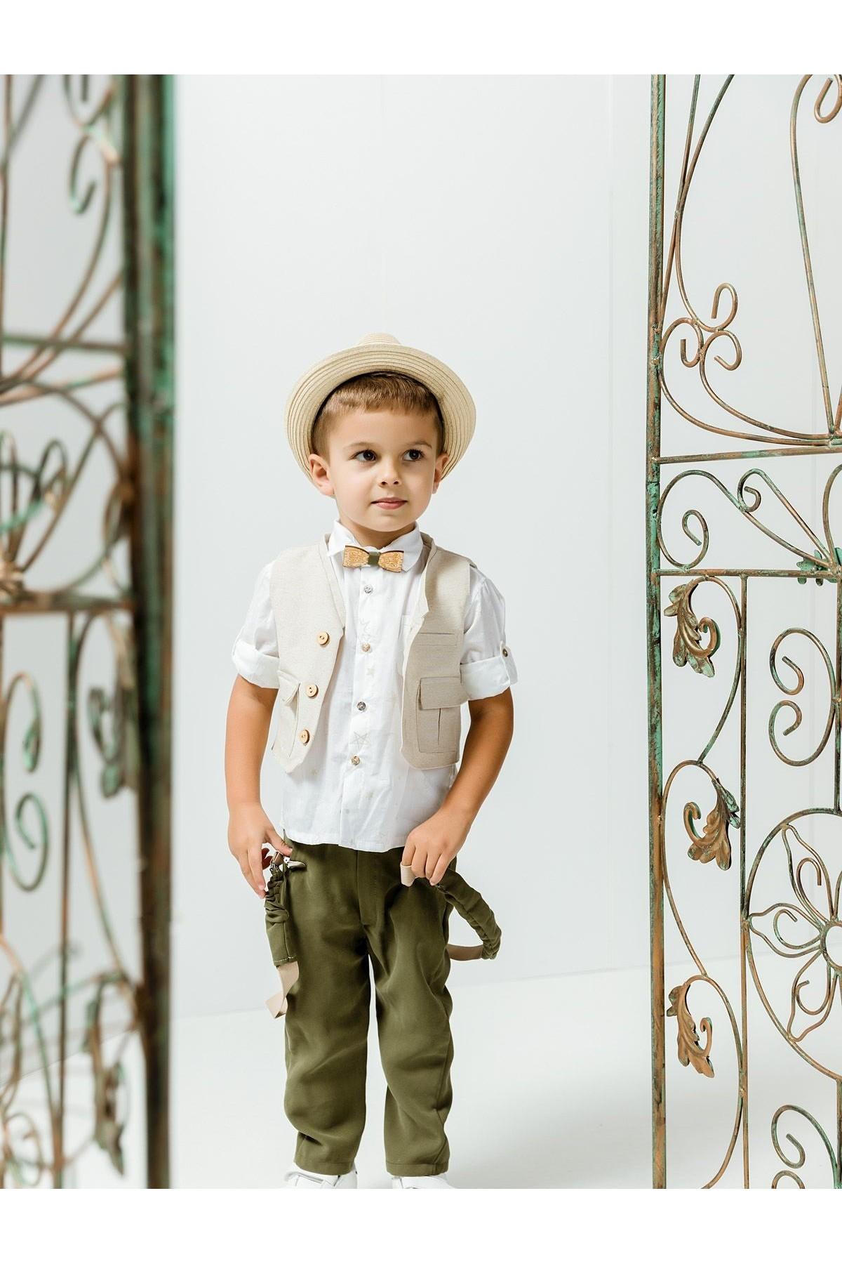 Βαπτιστικό σύνολο αγόρι με χακί παντελόνι και λευκό πουκάμισο με μπεζ αστεράκια