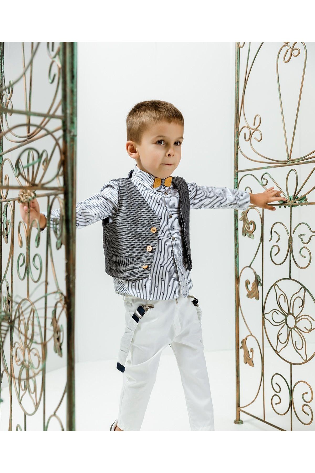 Βαπτιστικό σύνολο αγόρι με λευκό παντελόνι και ριγιέ μπλε πουκάμισο με φοίνικα