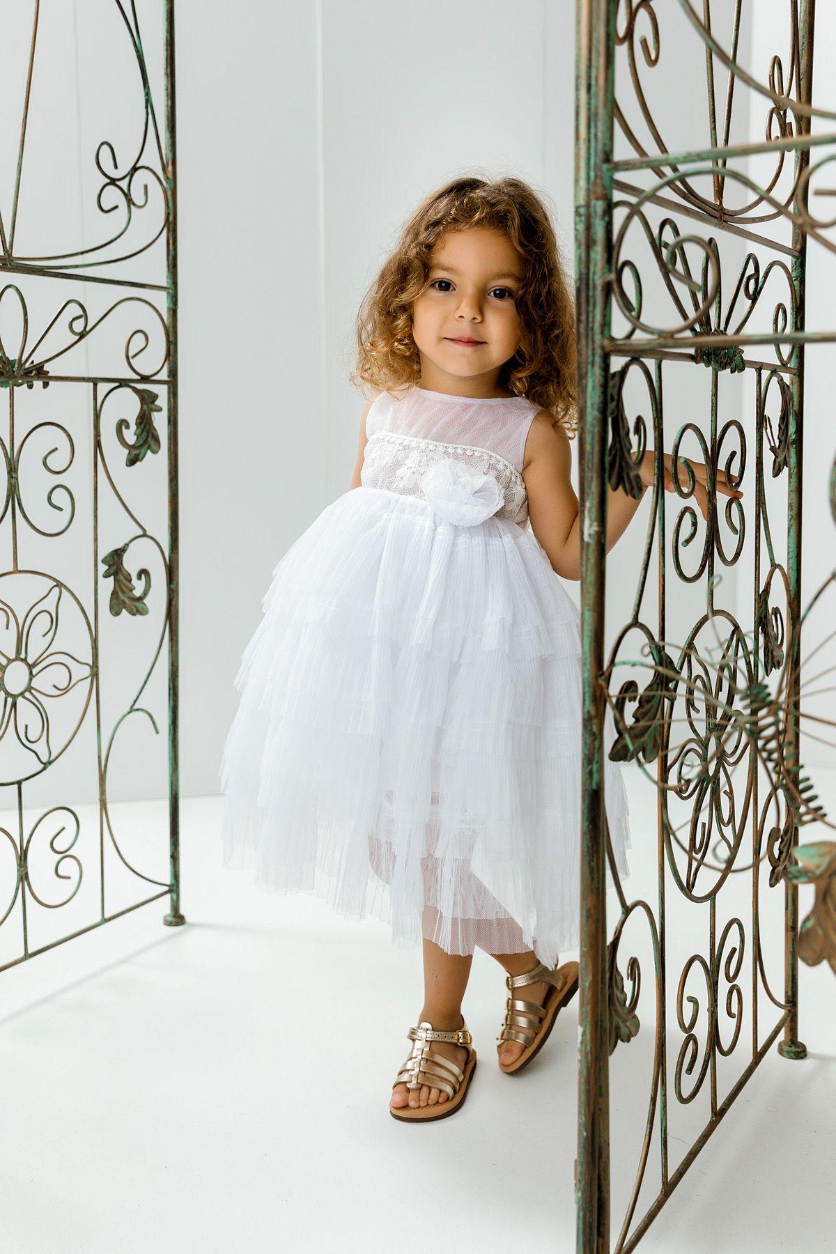Βαπτιστικό φόρεμα λευκό πλισέ με ουρά