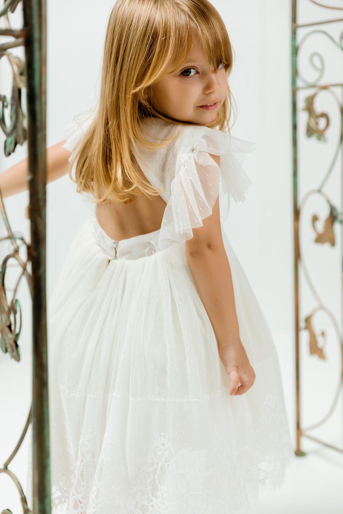 Βαπτιστικό φόρεμα εκρού με δαντέλα χωρίς ουρά