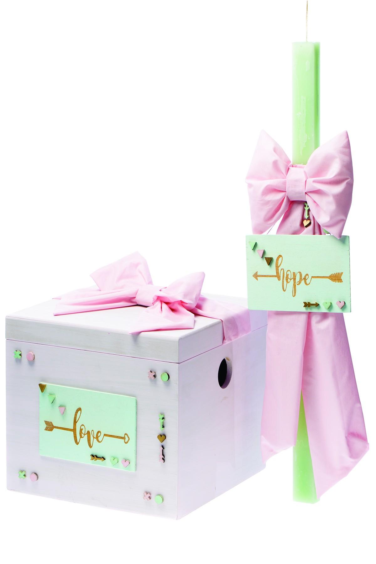 Λαμπάδα και Κουτί φυστικί-ροζ με καδράκι